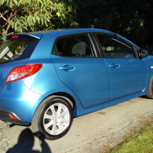 2011 mazda2 GS touring MT